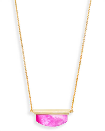 Dean Pendant Necklace in Magenta Pearl
