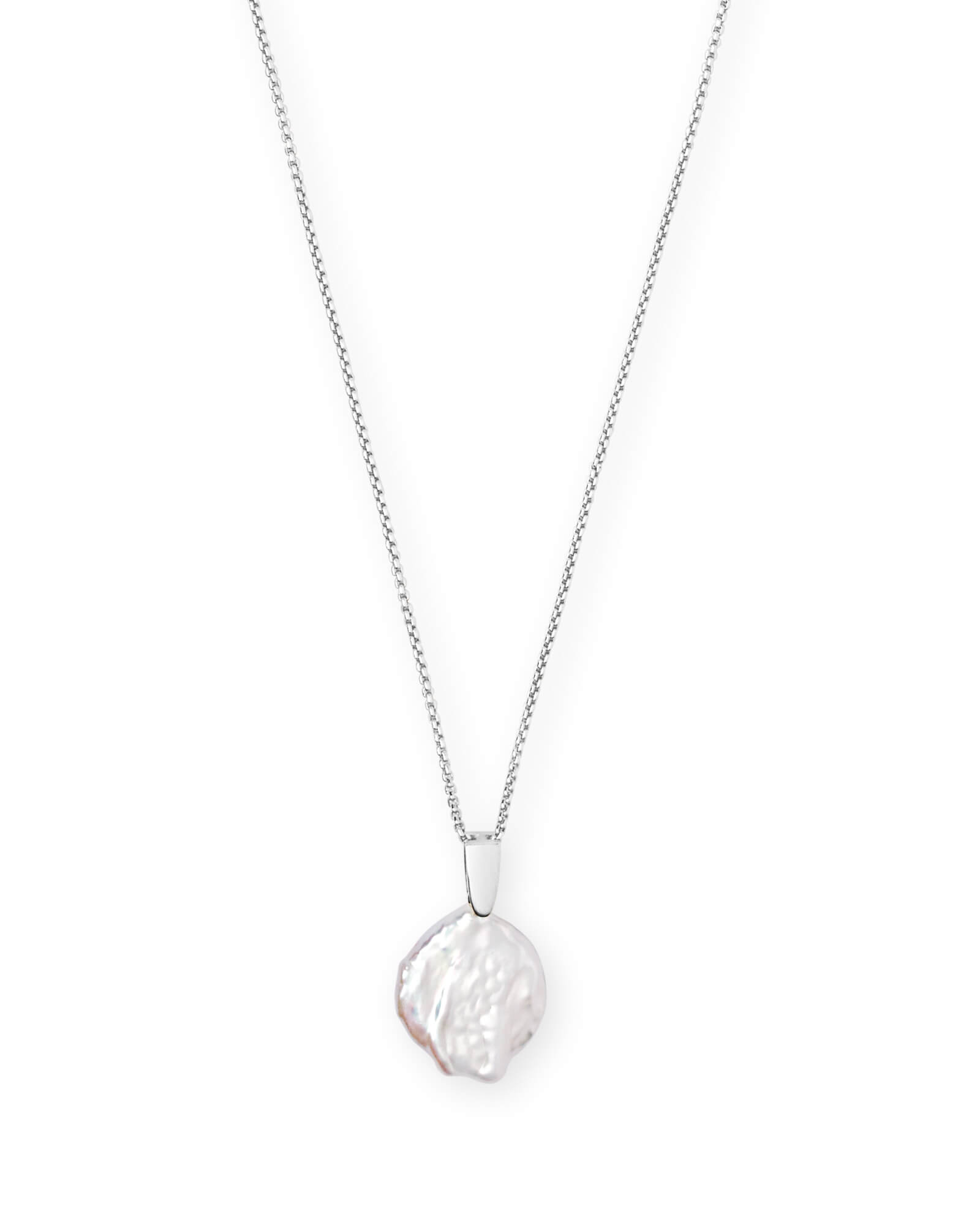 Priscilla Pendant Necklace in Pearl