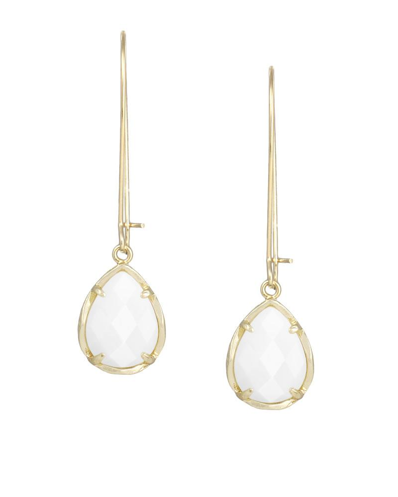 Dee Earrings In White Pearl