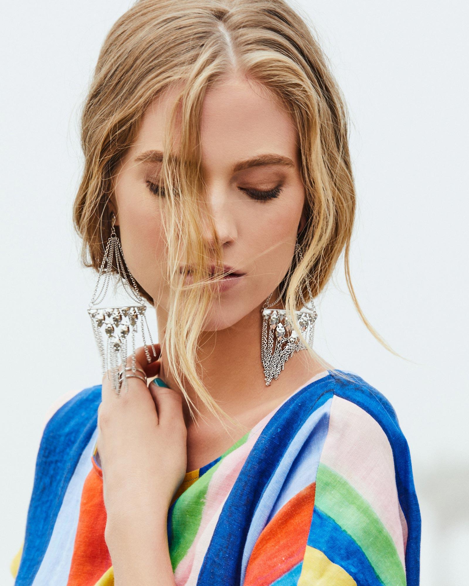 Mandy chandelier earrings in gold kendra scott jewelry mandy statement earrings in gold arubaitofo Images