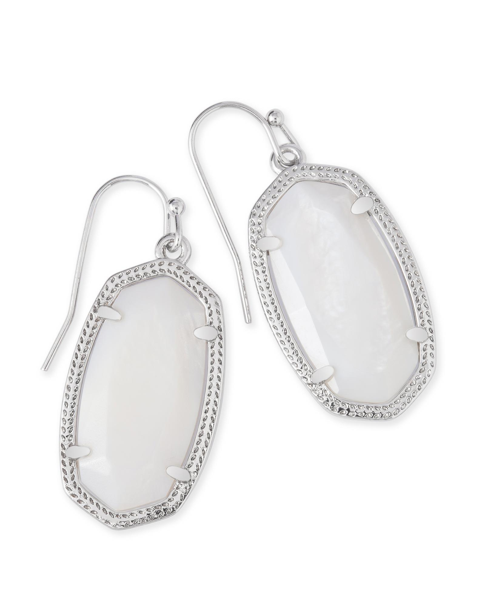 Dani Silver Earrings In White Pearl