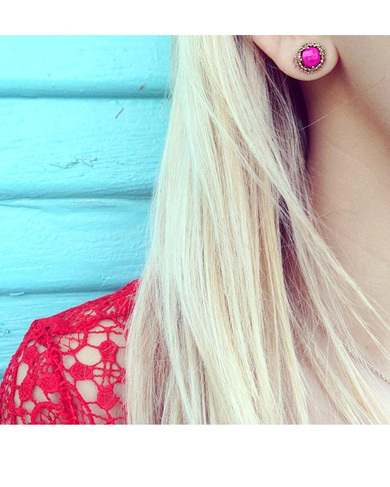 Carly Stud Earrings in Magenta
